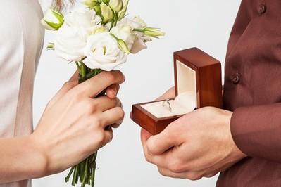 Pomysł na zaręczyny – romantycznie czy oryginalnie?