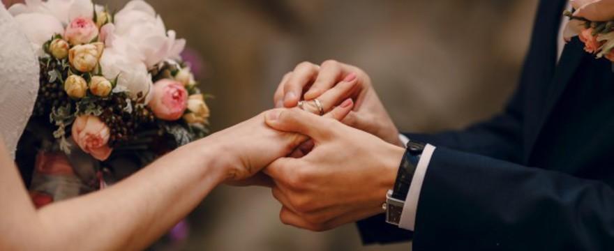 Jakie powinny być toasty weselne?